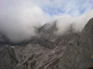 Dimhöljda berg